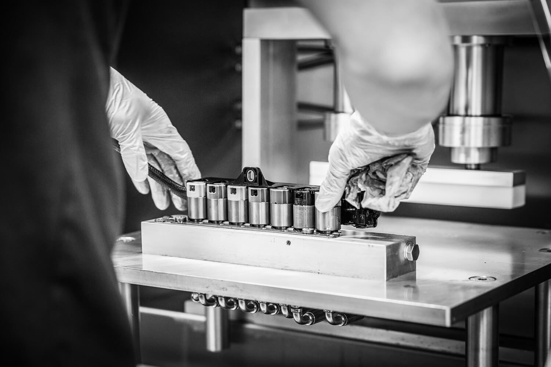 Hõbenool kasutab enda töös spetsiaalseid automaatkäigukastide hooldus- ja remondiseadmeid. Anname lühiülevaate, alustades keerulisemast ja liikudes lihtsama poo